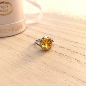 Yellow Stone Ring with Crystals ✨